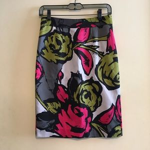 Trina Turk Silk Rose Pencil Skirt Size 2 Like New